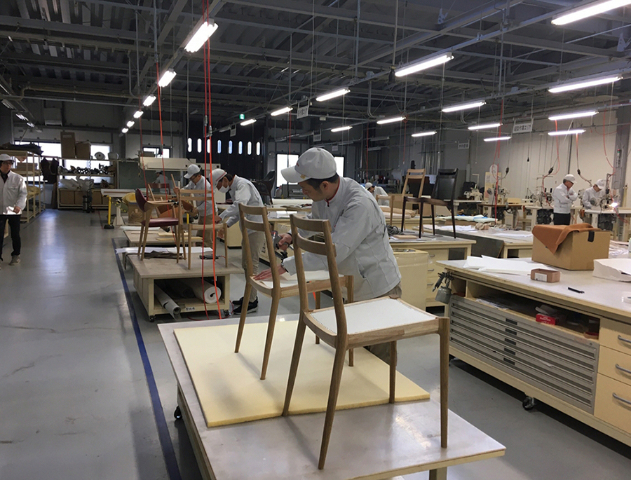 KUNST stacking chair production