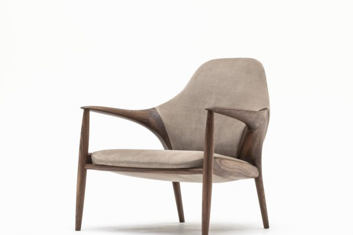 KUNST Armchair, Walnut (oiled), Almond leather