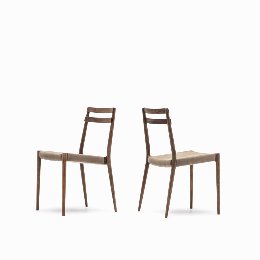 KUNST Cervo Stacking chair, Walnut (oiled), Dune:Almond leather