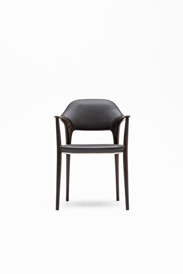 KUNST Diningchair, long arm, Wenge (oiled), Shade:Ebony leather