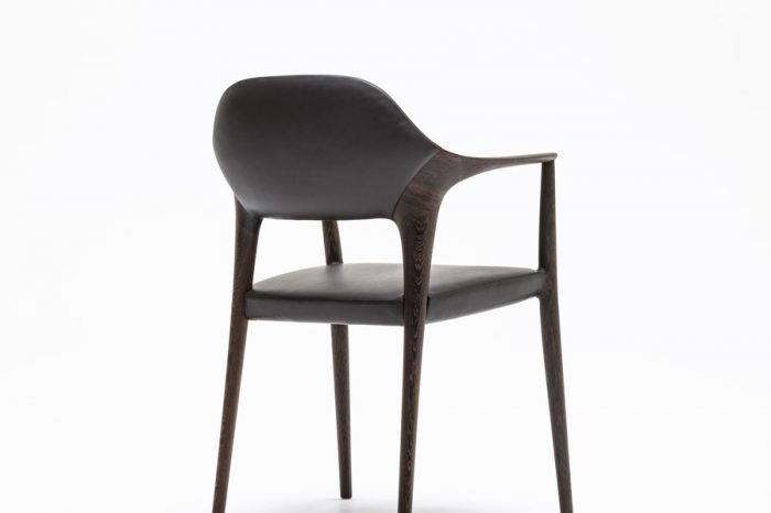KUNST Diningchair, long arm, Wenge (oiled), Shade:Ebony leather