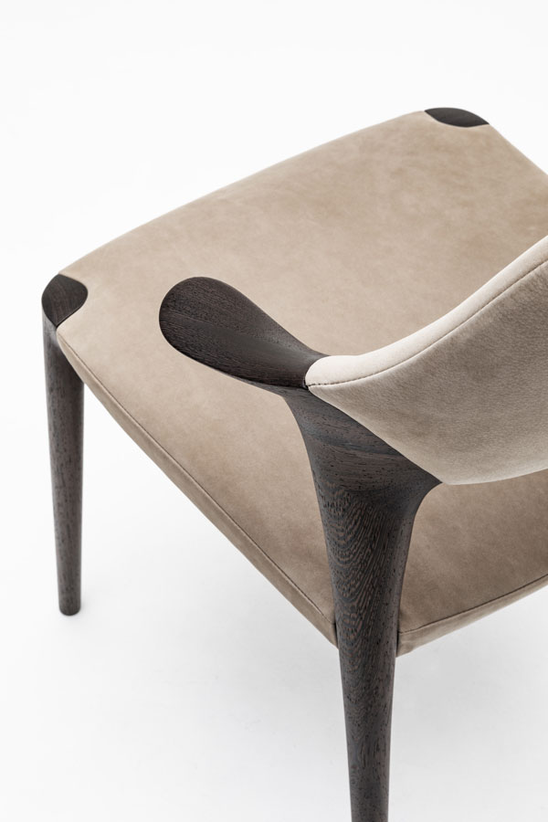 KUNST Dining chair short arm, Walnut (oiled), Almond leather