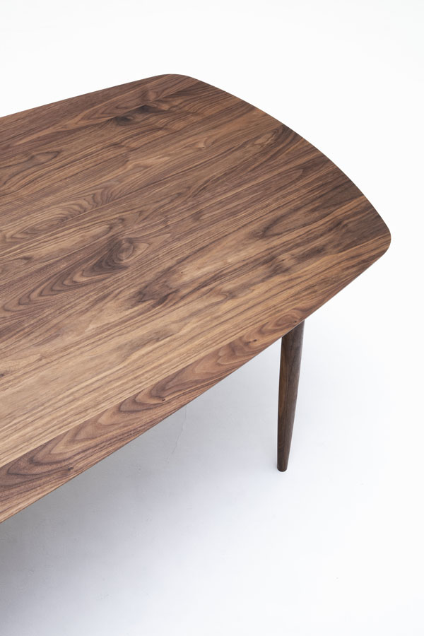 KUNST Table, Walnut (oiled), Solid w2600