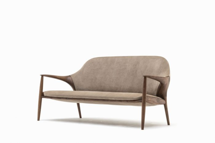 KUNST Sofa, Walnut (oiled), Almond leather